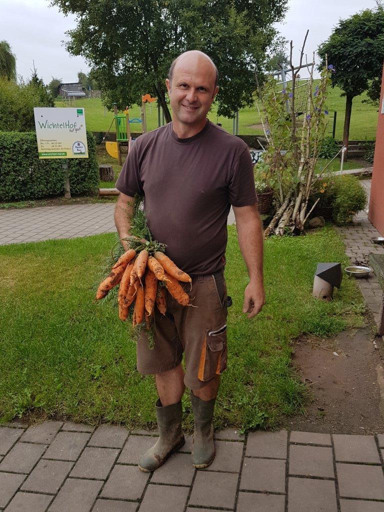Bernd mit Karotten